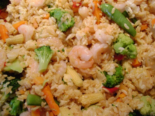 shrimp fried rice closeup picture