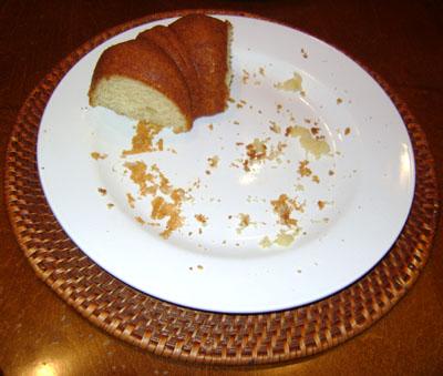 http://www.melaniecooks.com/wp-content/uploads/2009/10/lemon-bundt-cake-crumbs.jpg
