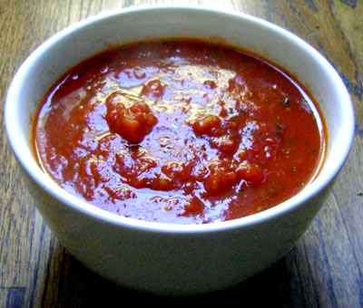 pomi-tomatoes-sauce-bowl