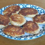 fishcakes made with canned salmon