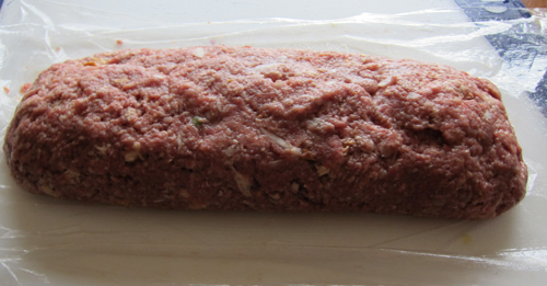 making stuffed meatloaf with eggs, cheese and peas - step 3
