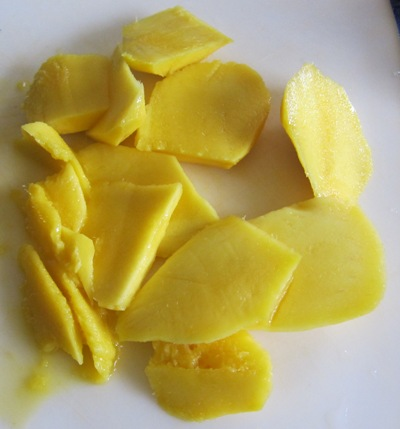 cut up mango pieces