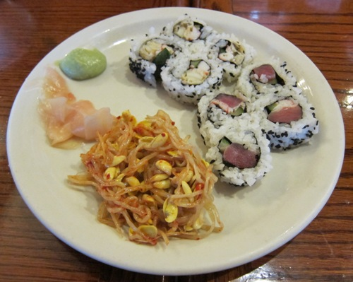senoya restaurant sushi rolls