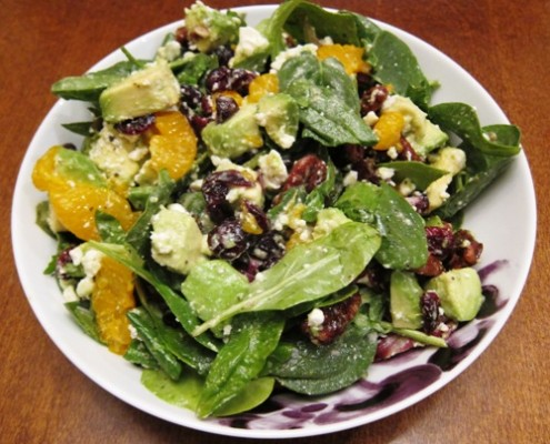 how to make a salad with candied pecans