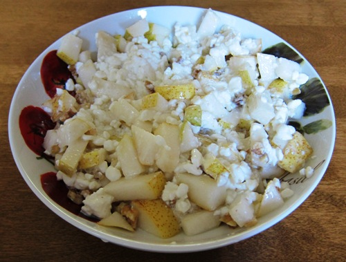 cottage cheese with pear and walnuts