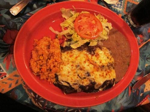 chicken enchiladas con mole at las palmas highland park
