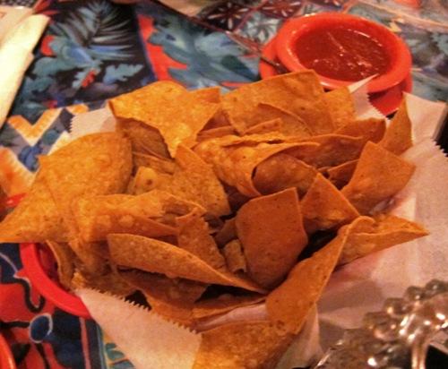 chips and salsa at las palmas highland park