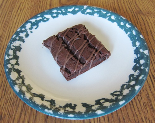 fiber one 90 calorie brownie on a plate