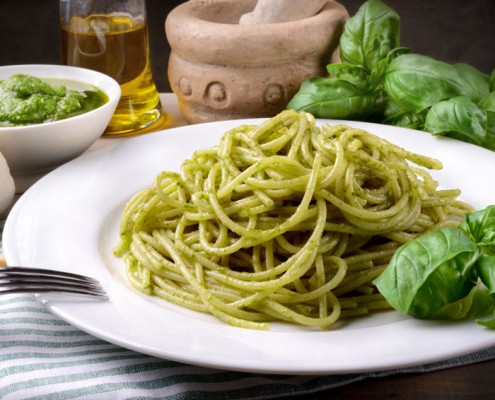 How To Make Pasta With Classic Basil Pesto
