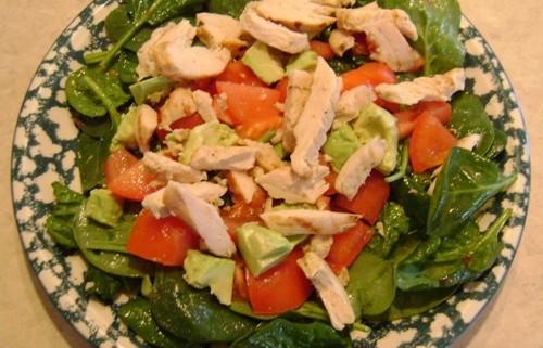 chicken avocado tomato baby spinach main dish salad recipe