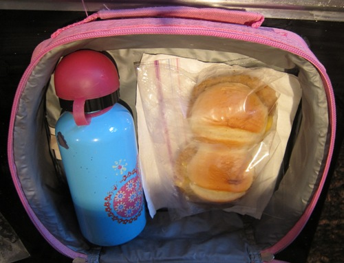 packing kids lunchboxes idea tyson mini chicken sandwiches