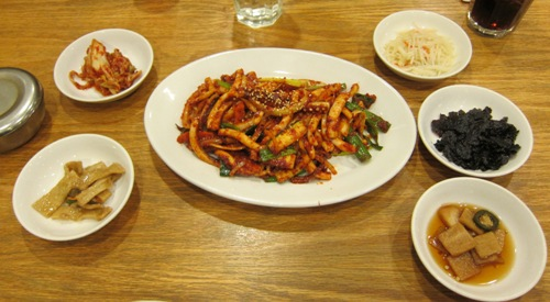 korean food picture with kimchi side dishes