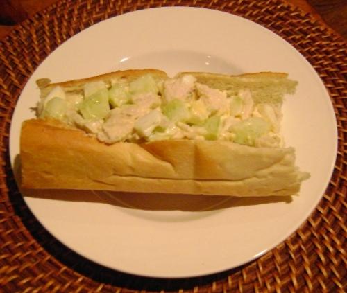 how to make cucumber salad sandwich