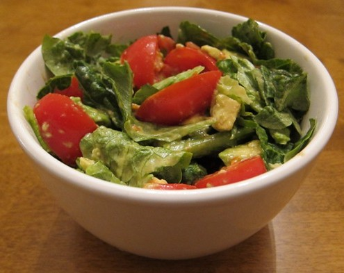 salad recipe with tomatoes avocado lettuce