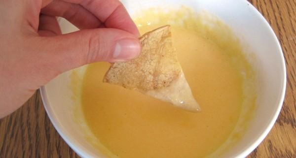 nacho cheese chip dip