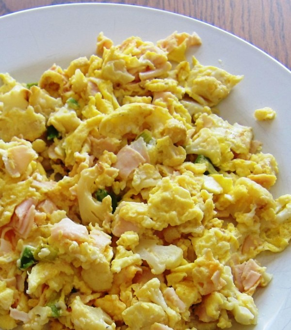 Scrambled Eggs With Turkey And Cauliflower