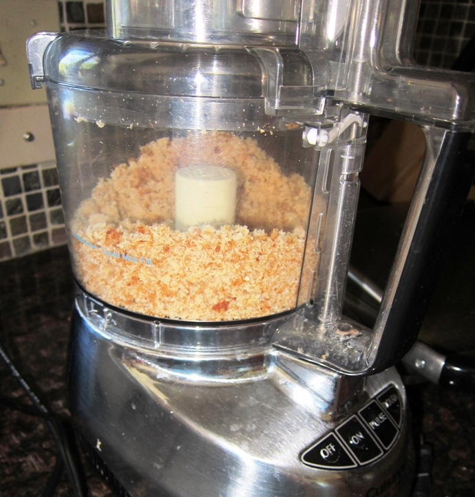 how to make bread crumbs in a food processor