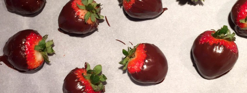 How To Make Chocolate-Covered Strawberries – Melanie Cooks