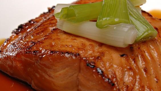 How To Make Maple Glazed Salmon