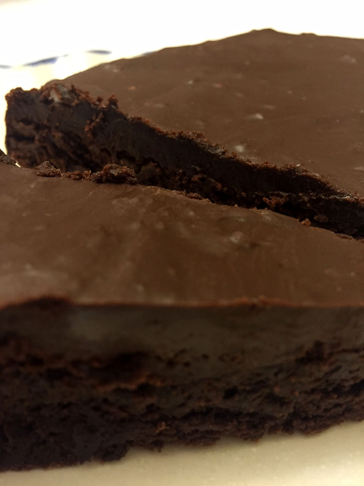 Flourless Gluten-Free Chocolate Cake With Chocolate Ganache Glaze ...