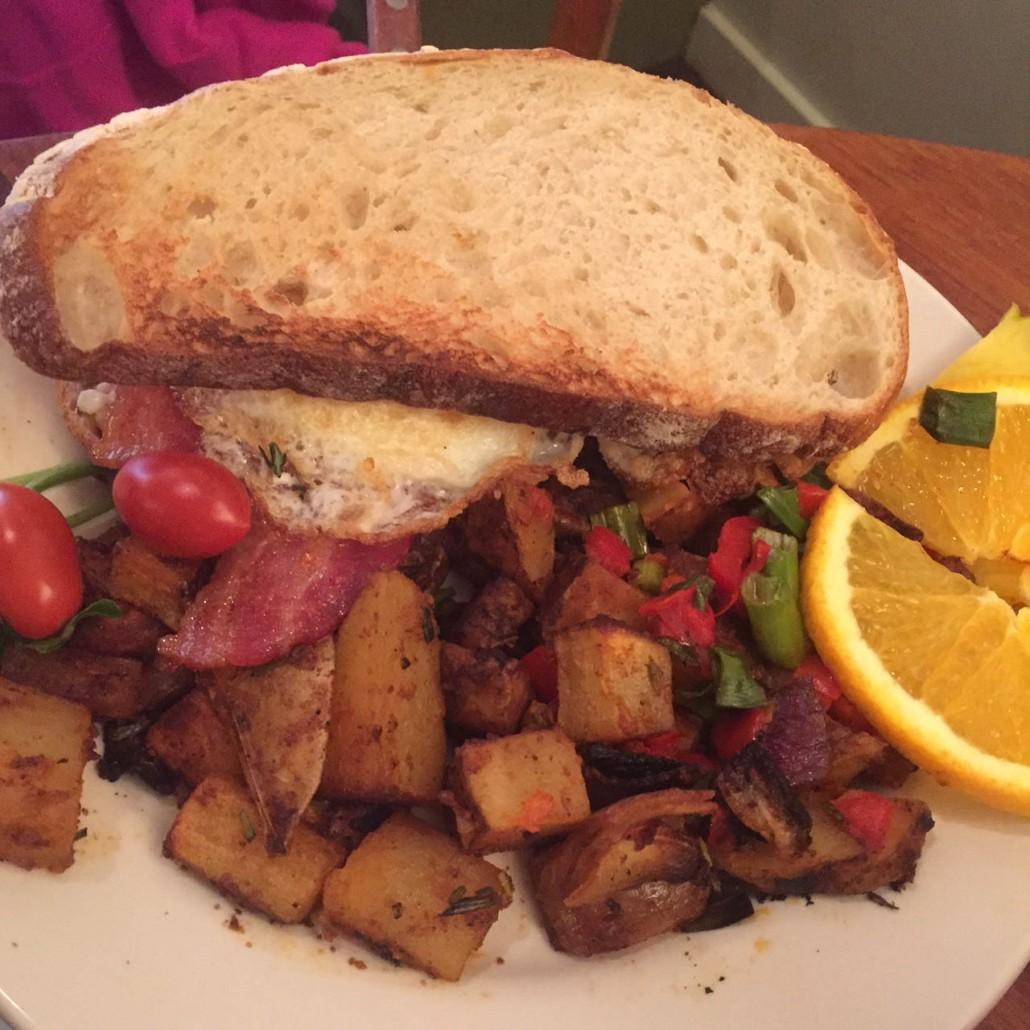 M Henry Restaurant Chicago Fried Egg Sandwich
