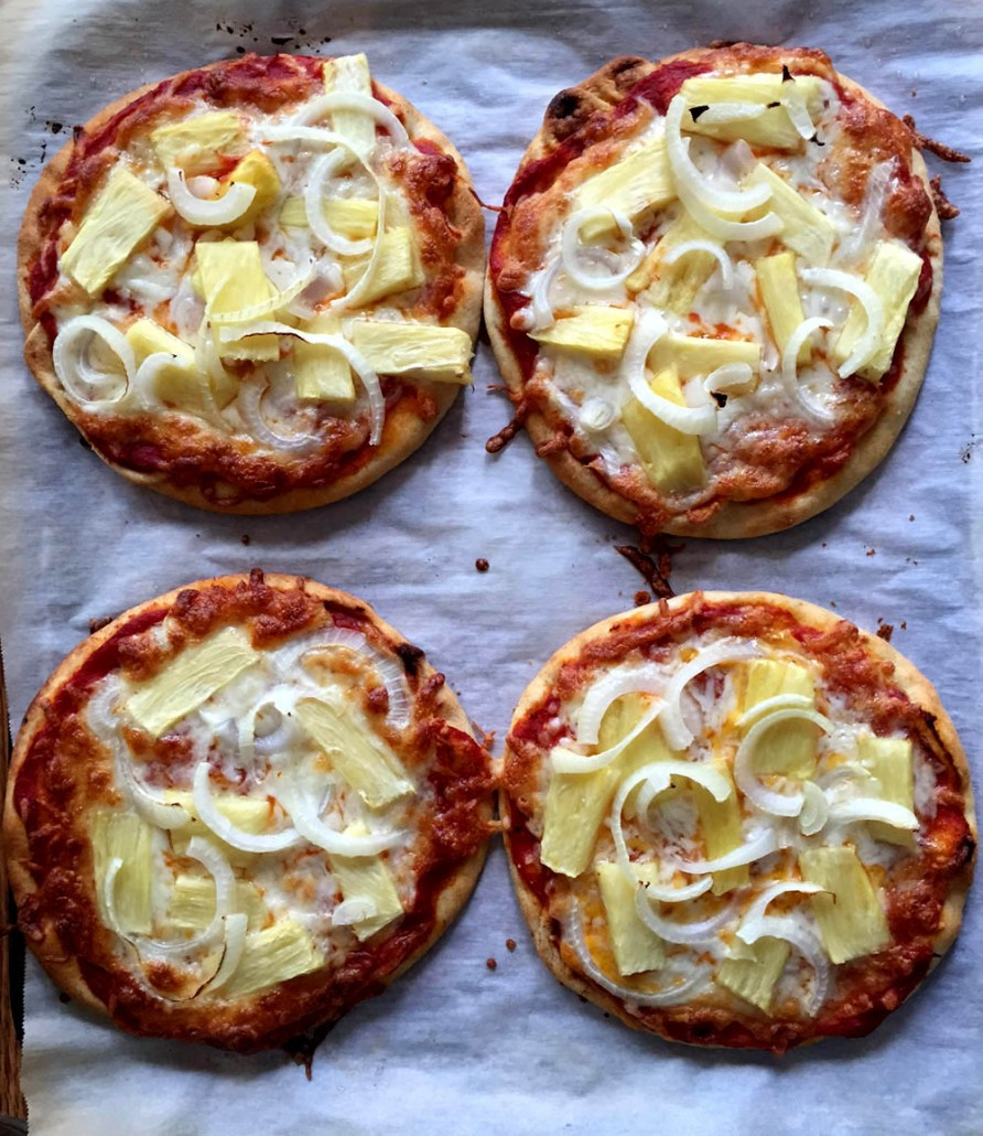How To Make Pineapple Onion Pita Pizzas