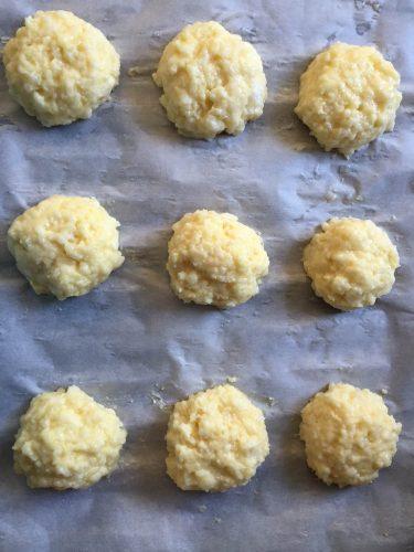 Pao de Queijo - Brazilian Cheese Bread Balls