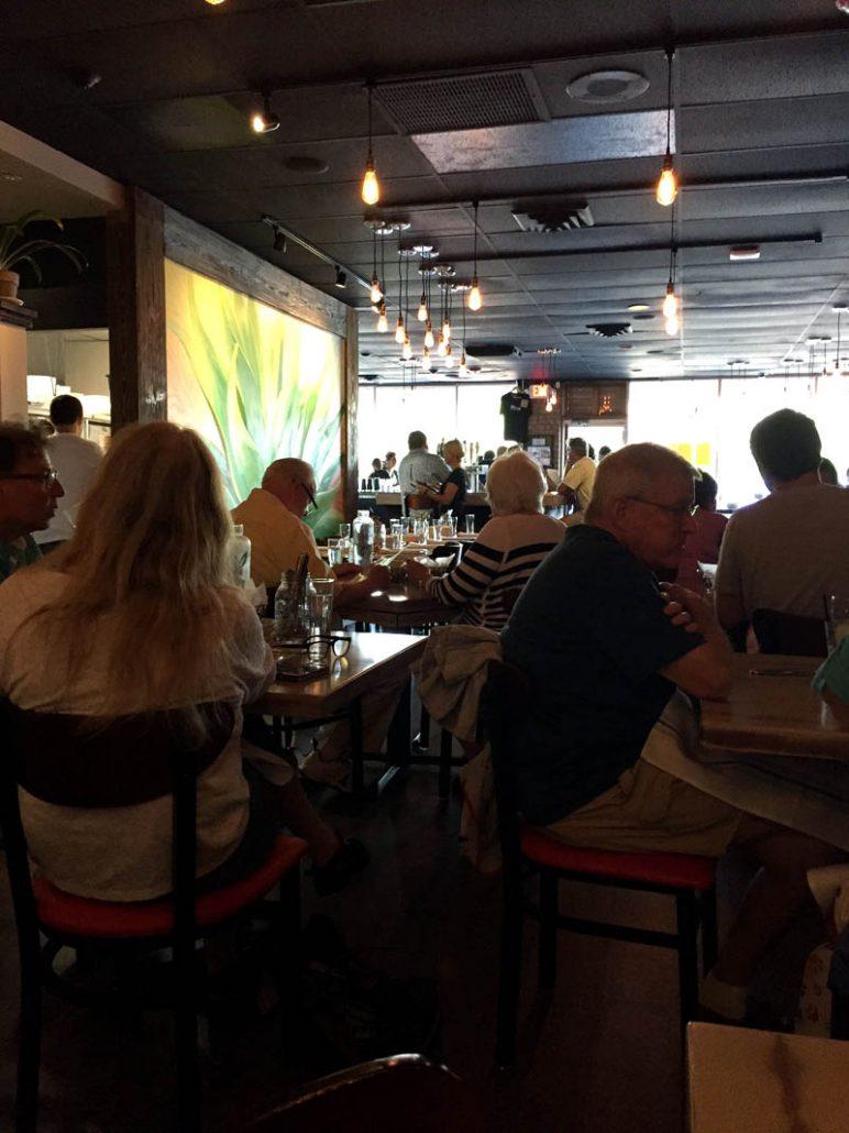 mesa_urbana_restaurant2