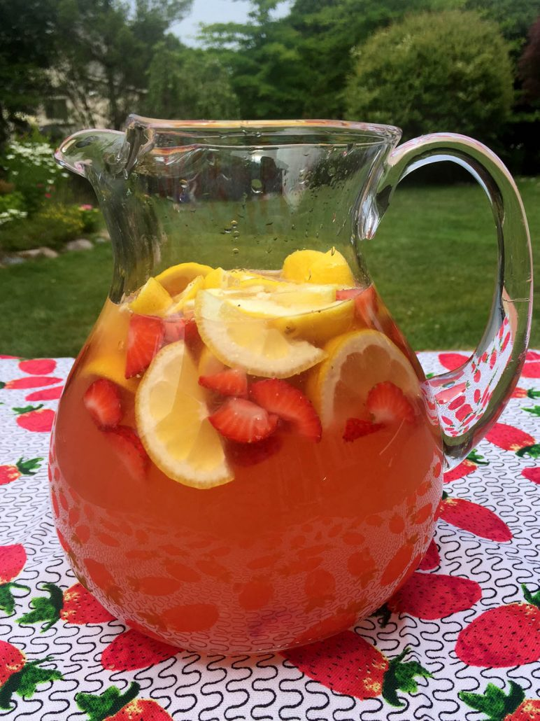 Freshly Squeezed Strawberry Lemonade Recipe From Scratch
