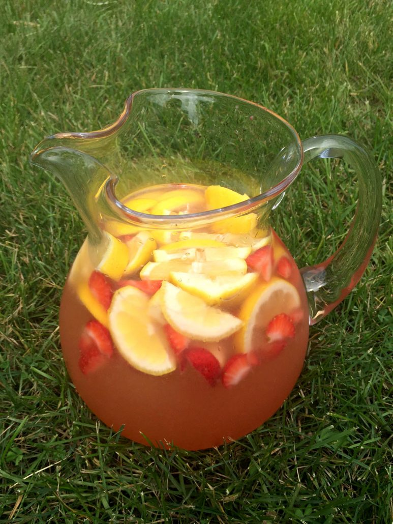 Freshly Squeezed Strawberry Lemonade Made From Scratch