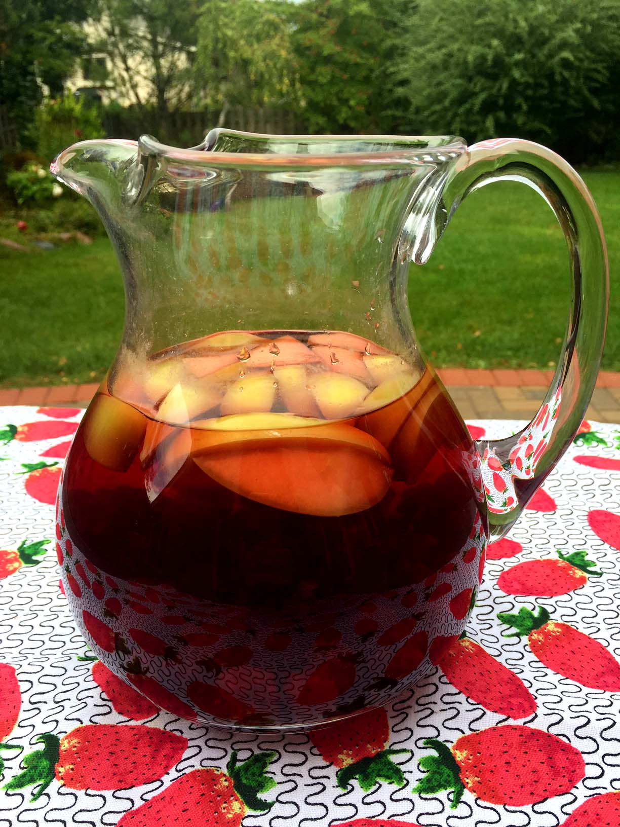Fruit-Infused Hibiscus Iced Tea – Sugar-Free And Naturally ...