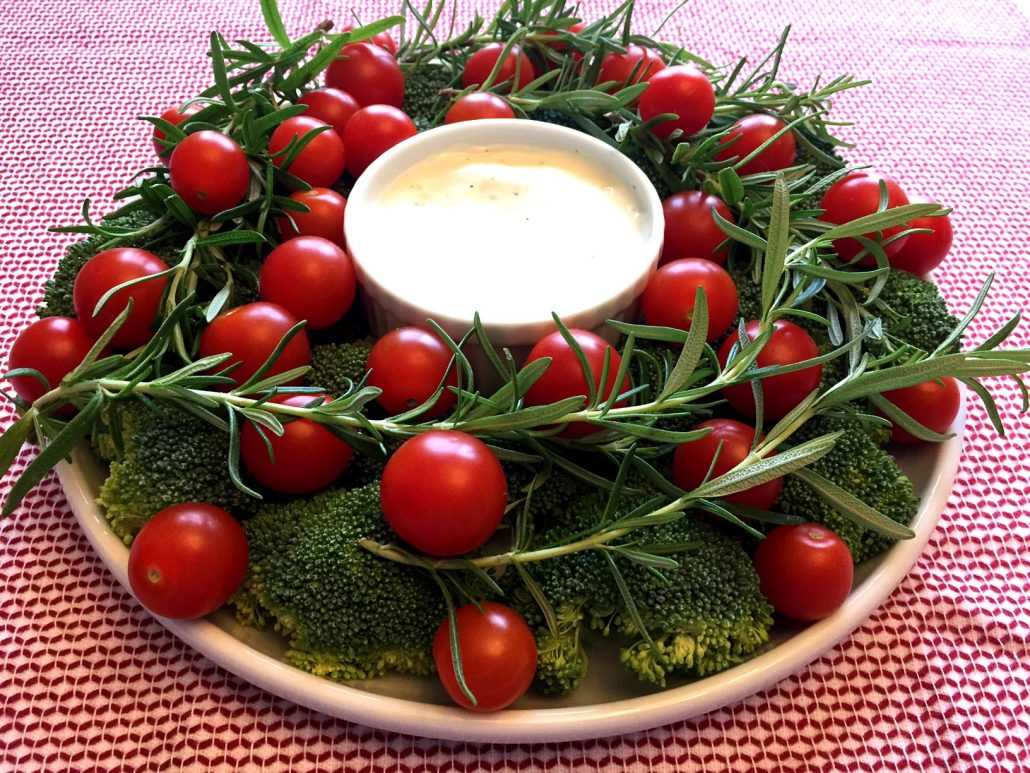 Christmas Wreath Shaped Vegetable Plate With Broccoli, Tomatoes and Rosemary