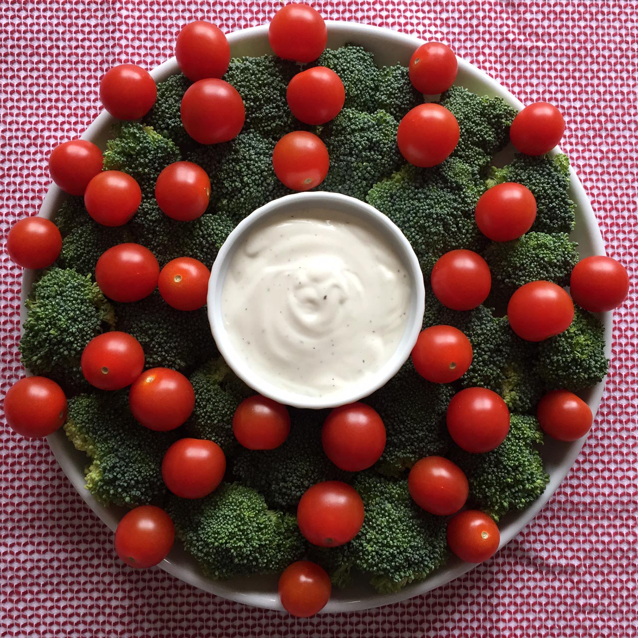 Vegetable Christmas Wreath Appetizer