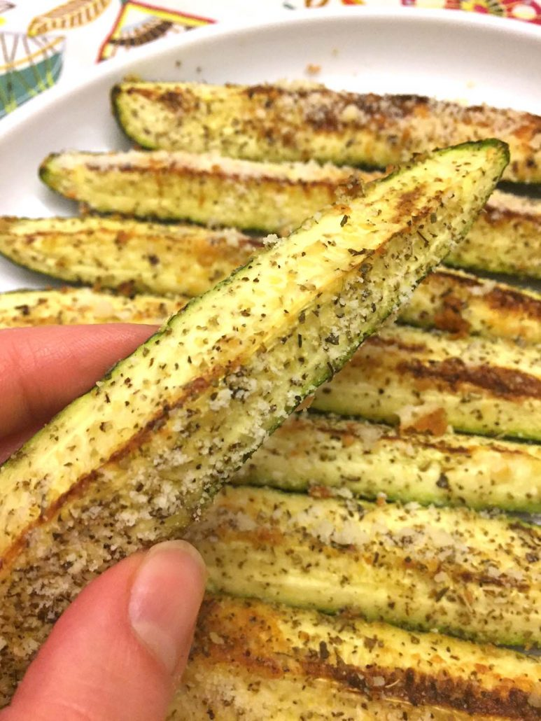 recipe: garlic parmesan zucchini fries [26]