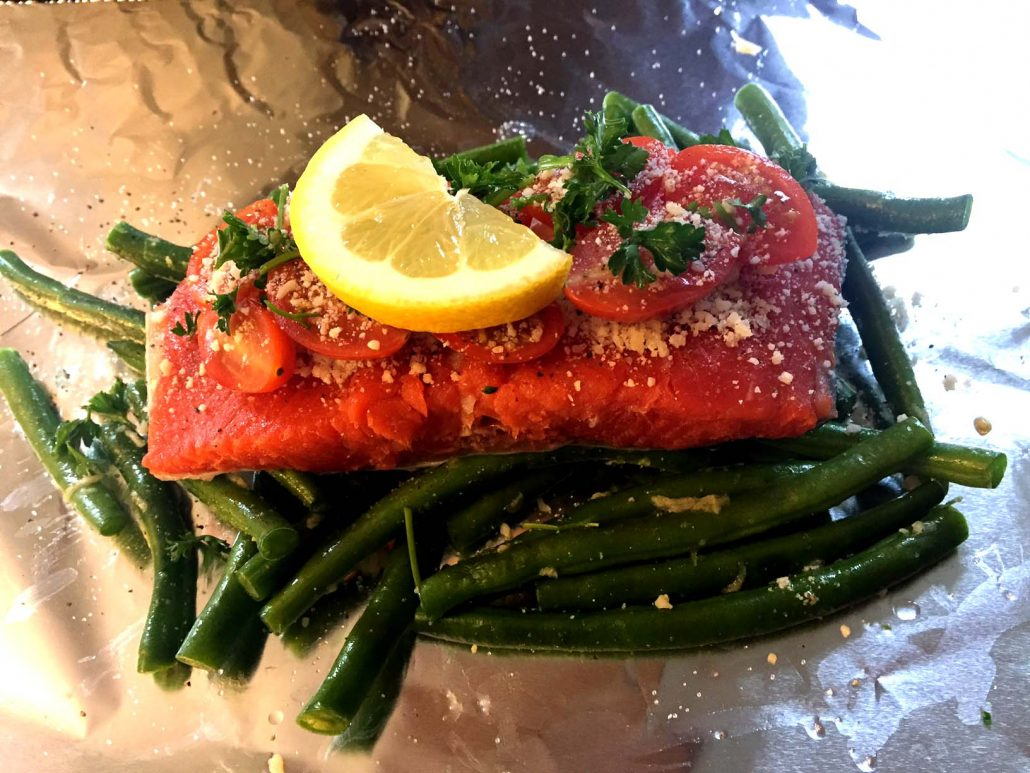How To Make Salmon And Vegetables In Foil Pouches