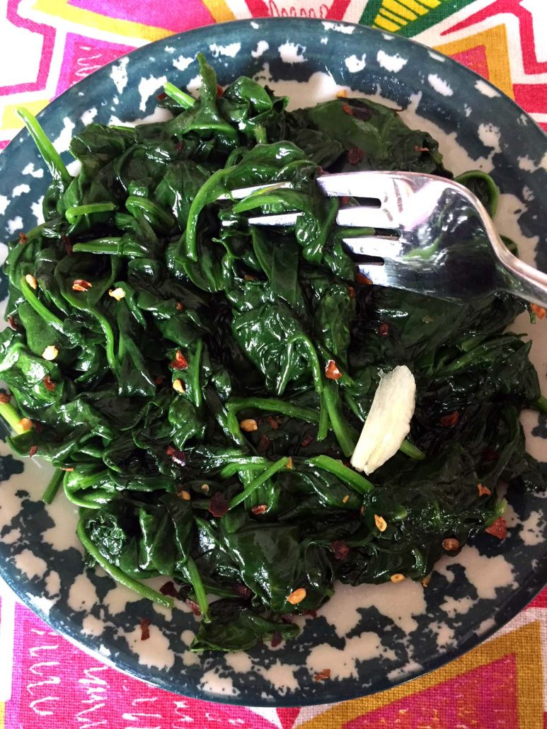 Spicy Pan Fried Spinach With Garlic And Red Pepper
