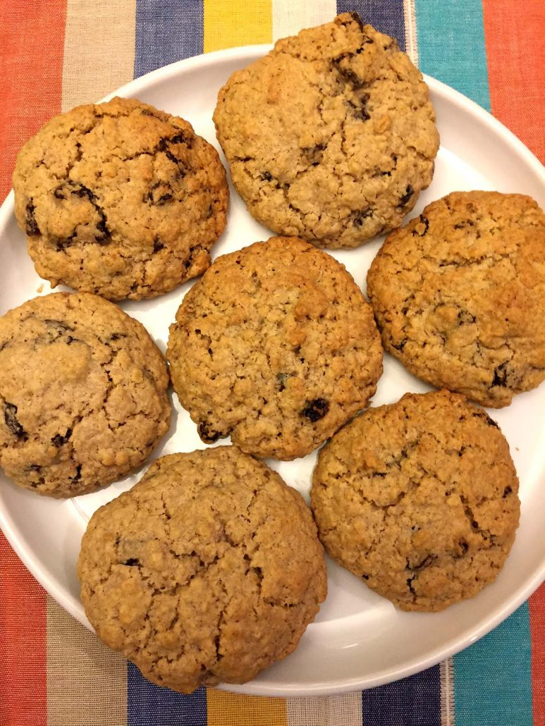 Simple Oatmeal Raisin Cookies