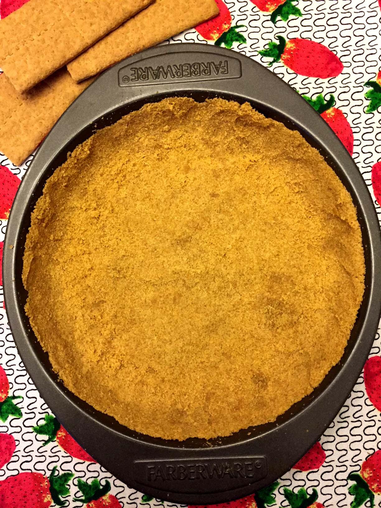 Easy Graham Cracker Pie Crust Recipe – Melanie Cooks