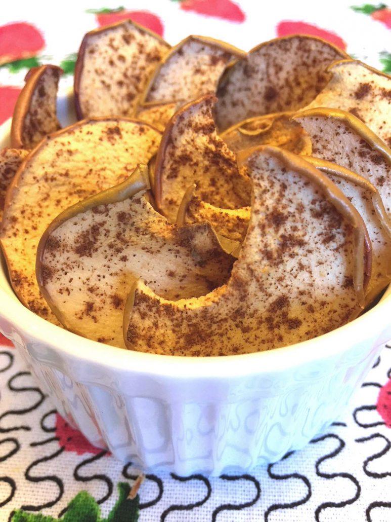 Homemade Cinnamon Apple Chips Snacks