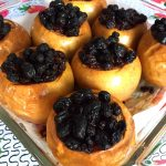 Healthy Baked Apples Stuffed With Raisins And Cinnamon - No Sugar Added!