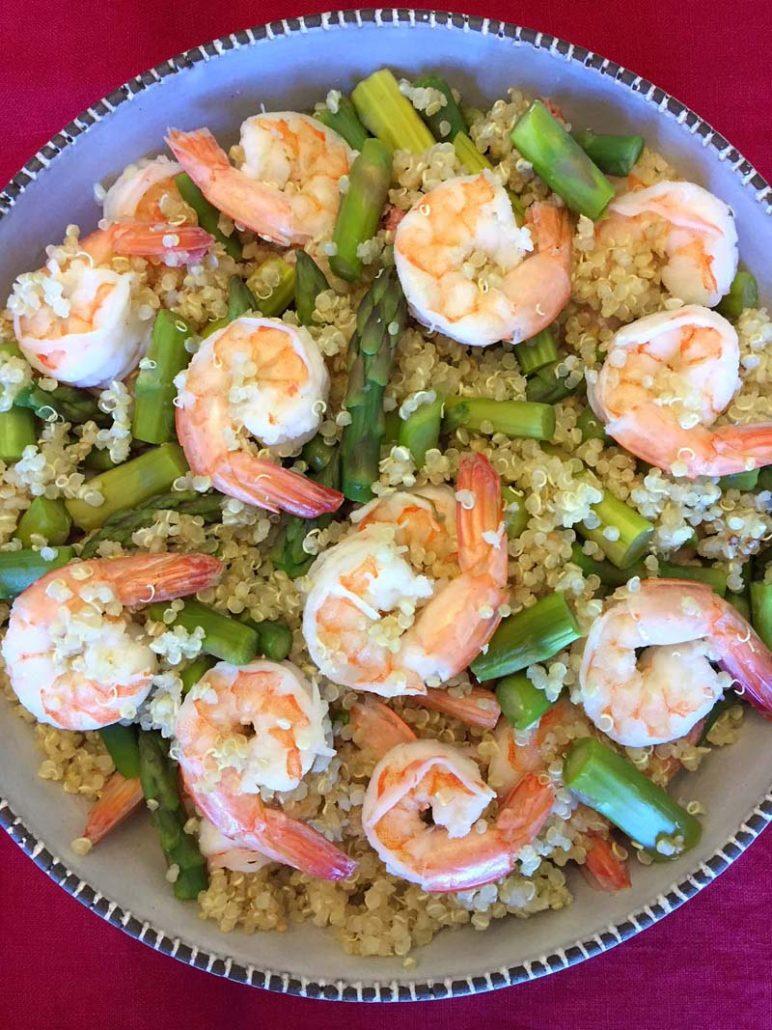 Healthy Quinoa Bowl With Shrimp and Asparagus