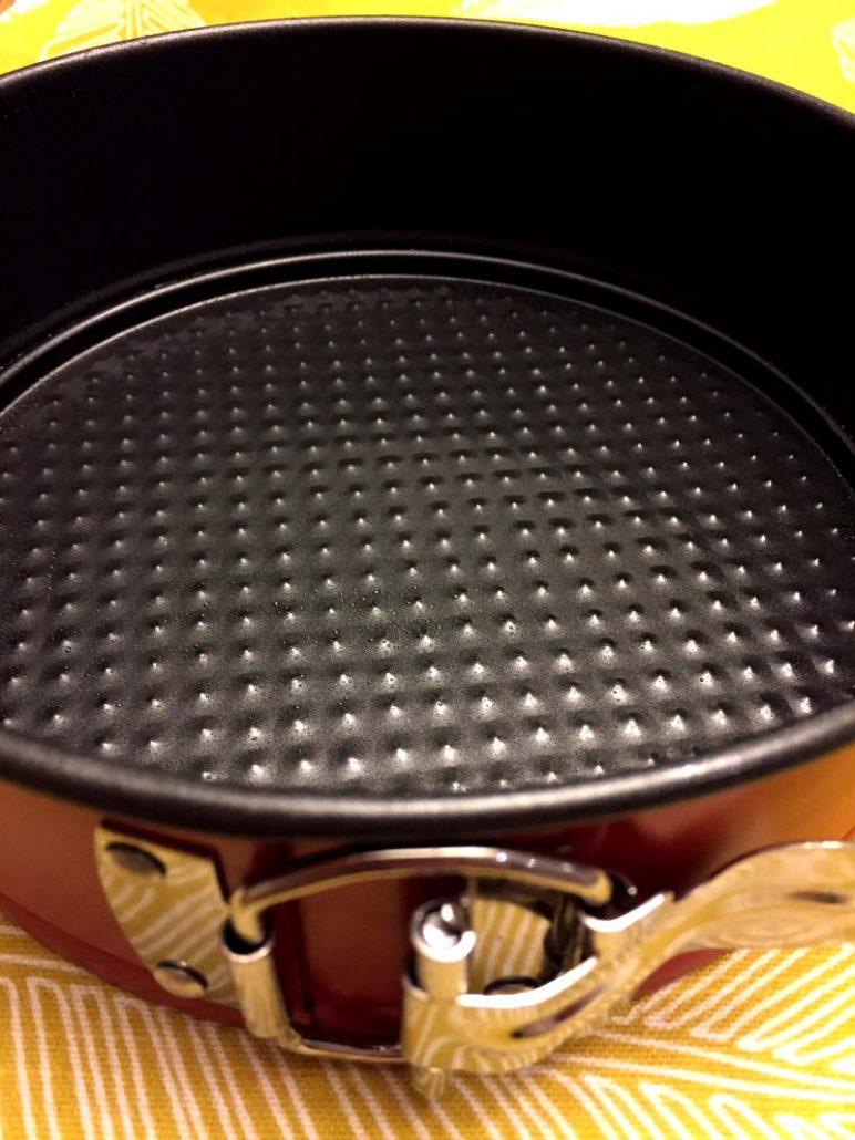 Prepare the non-stick baking pan for graham cracker crust
