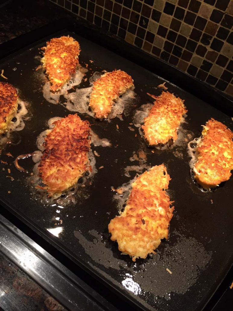 Chicken breaded in coconut flakes - low carb and gluten free