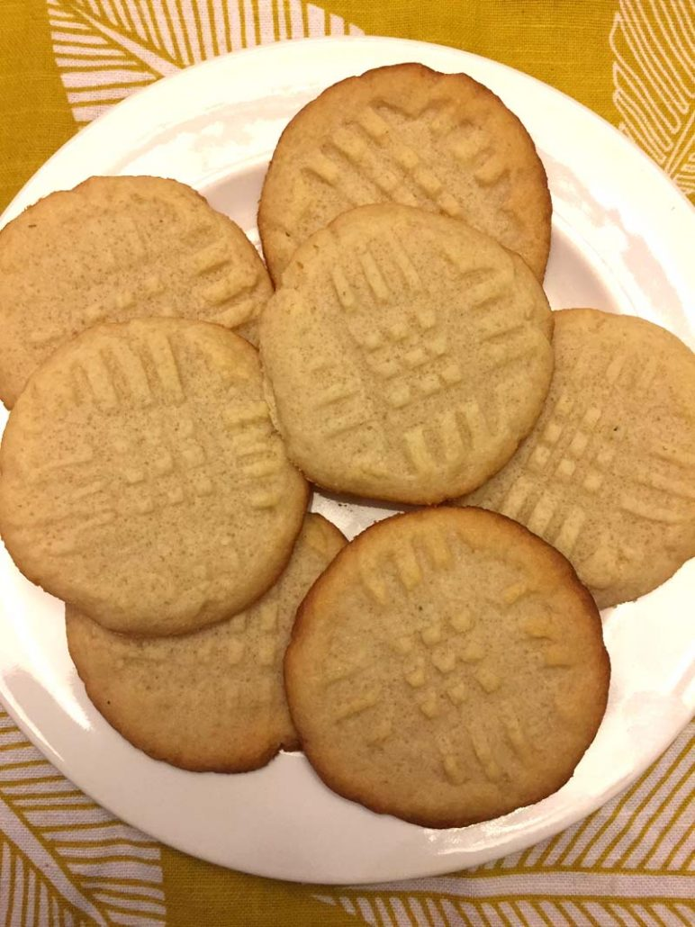 Low-carb gluten-free butter cookies