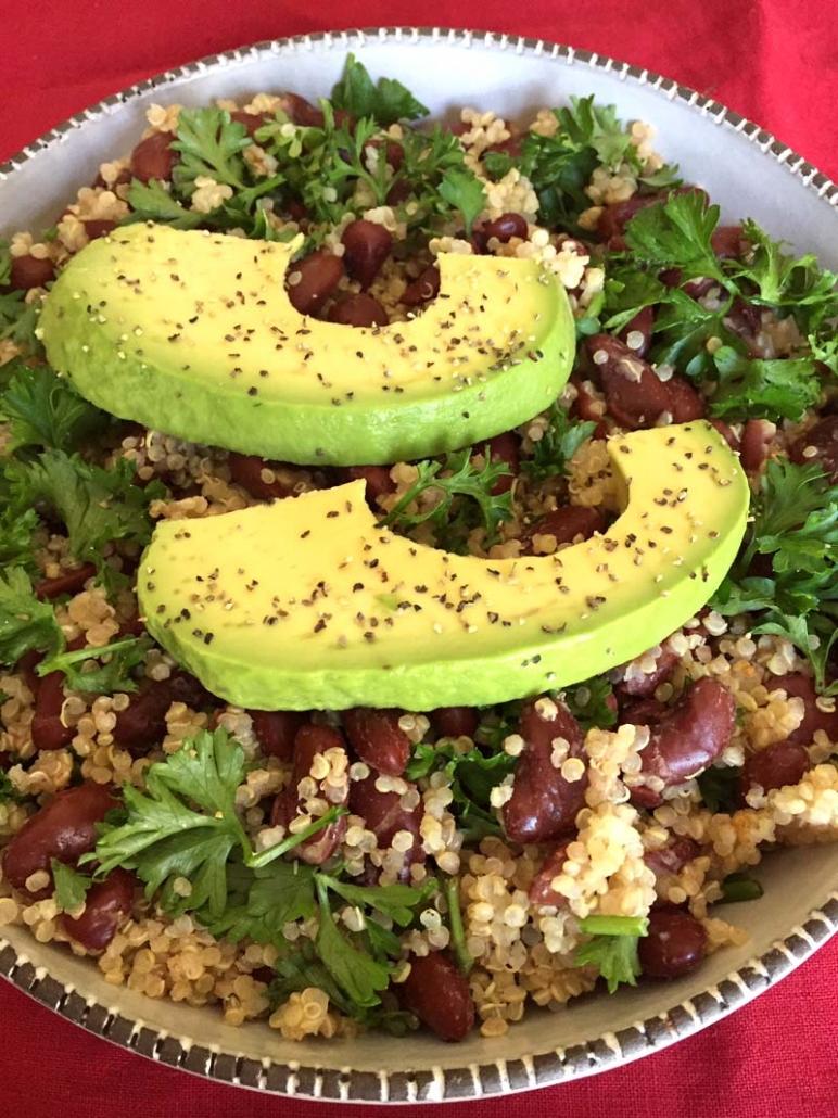how to make avocado quinoa bowl with beans