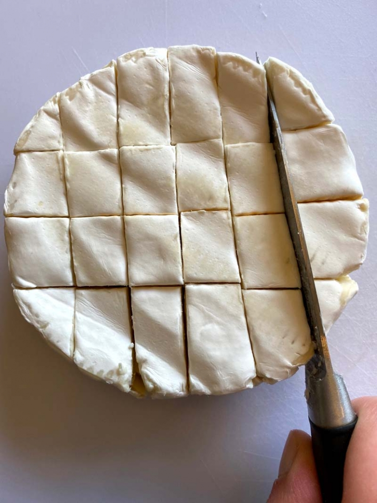 cut a wheel of brie