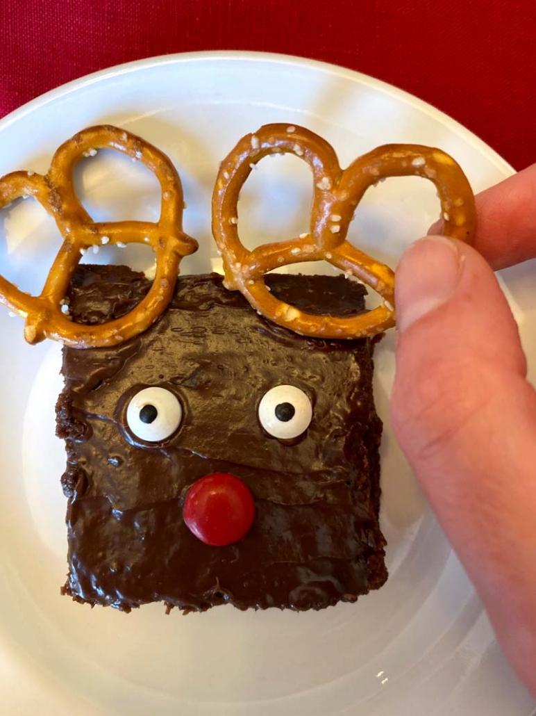 how to make reindeer brownies