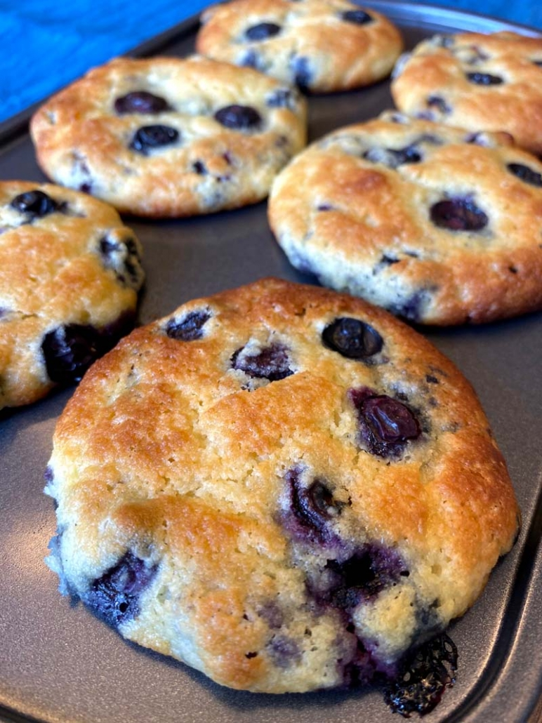 low carb blueberry muffins with almond flour