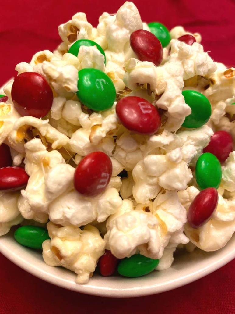 Christmas M&Ms Popcorn