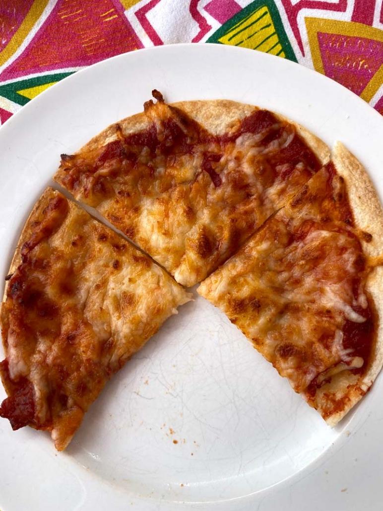 air fryer tortilla pizza